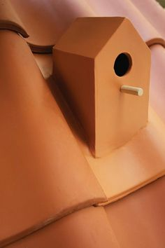 Turn Your Roof into a Bird Sanctuary with Ceramic Birdhouse Roof Tiles by Klaas Kuiken home environment ceramics birds birdhouses Bird House Kits, Roof Architecture, Roof Tiles, Ceramic Birds, Roofing Materials, Patio Roof, House Roof, Metal Roof, Sustainable Design