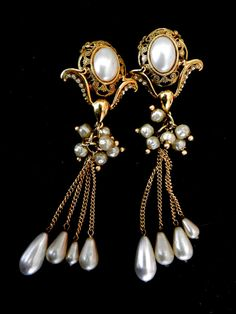 Large dangling tassel earrings original 1970 - stunning design, pearls and crystals -extraordinary and unique -art.973/2-
