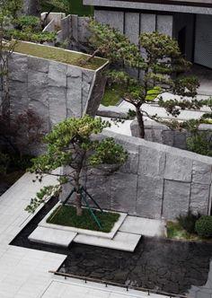 Landscape And Urbanism, Landscape Architecture Design, House Landscape, Amazing Architecture, Green Architecture, Modern Landscaping, Garden Landscaping, House Gate Design, Asian Garden