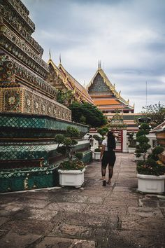 Elaisha Jade gives her tips on 10 things you need to do if you're spending 48 hours in Bangkok! Stuff To Do, Things To Do, Bangkok, Jade, Louvre, Adventure, Travel, Things To Make, Viajes