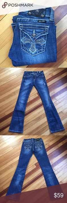 "Miss Me Cross Stud Flap Pocket Jean in Vintage Cross stud pocket jeans in Vintage color. Featuring a boot cut, jeans have some stretch (98% cotton, 2% elastane). Waist 14"", Rise 7"", Inseam 33.5"". EUC Miss Me Jeans Boot Cut"