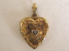 Vintage Heart Locket Gold Filled Floral Engraving by COBAYLEY #ecochic team #giftsforher