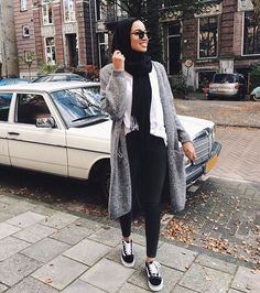 Girly chic hijab collection – Just Trendy Girls Modern Hijab Fashion, Street Hijab Fashion, Hijab Fashion Inspiration, Muslim Fashion, Look Fashion, Fashion Outfits, Casual Hijab Outfit, Hijab Chic, Casual Outfits