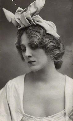Edna May, 1907  by Bassano