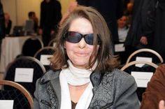 KostadinkaKuneva, nata in Bulgaria, dopo la laurea in Storia, si trasferisce in Grecia. Ad Atene, trova lavoro come addetta alle pulizie. Fonda il Sindacato per il lavoro domestico e di pulizia della regione Attica e denuncia le condizioni di sfruttamento e precarietà del settore. Nel 2008 con l'acido solforico due uomini l'hanno resa cieca. L'attacco è stato descritto come il più grave assalto a un sindacalista in Grecia in 50 anni.  Nel 2014 è al Parlamento Europeo nelle file di SYRIZA