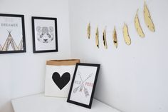 Garland Golden Mirror Feathers will make your kids room unique and special! by @kita4kids