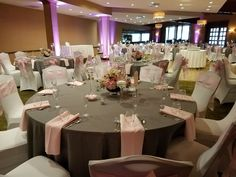 Grey and light pink linens for a wedding at Bay Pointe Golf Club