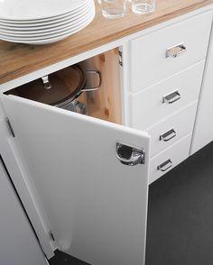 Våra kök är lika fina inuti som utanpå ✨ #funkiskök #massivaträkök #köksinspiration #40tal #50tal #inredning #kvalitet #ek #madeinsweden