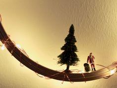Ein Mini-Adventskranz aus einem Stickrahmen – hängt jetzt bei uns im Flur