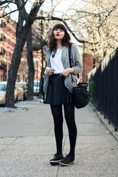 Every day fashion @ Natalie Off Duty Gossip Girl Fashion, Love Fashion, Winter Fashion, Fashion Outfits, Fashion Spring, Natalie Off Duty, Black Tights, Black Shoes, Ladies Dress Design