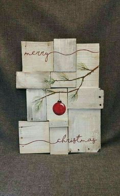 Totally Inspiring Farmhouse Christmas Decoration Ideas To Makes Your Home Stands Out 22 interesting christmas gifts, make christmas gifts, christmas gifts ideas for coworks Farmhouse Christmas Decor, Christmas Wood, Christmas Projects, Winter Christmas, All Things Christmas, Christmas Holidays, Christmas Ornaments, Farmhouse Decor, Merry Christmas