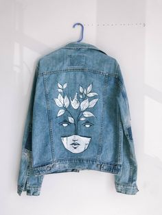 MindWerl Design 2019 MindWerl Design The post MindWerl Design 2019 appeared first on Denim Diy. Source by fashion design Painted Denim Jacket, Painted Jeans, Painted Clothes, Diy Clothes Paint, Diy Clothing, Custom Clothes, Jean Diy, Kleidung Design, Denim Art