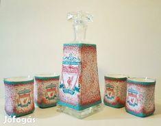 Kínál Kézműves dísz-és használati whikys italos üveg + pohár Liverpool: Kézműves dísz-és használati whikys italos üveg + pohár Liverpool. A termék nem...