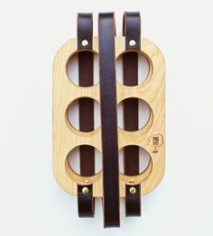 Wood-leather-six-pack-beer-carrier-wake-1430275111