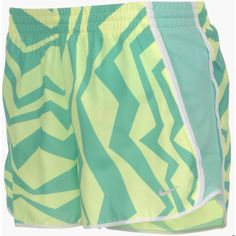 Womens Nike Pacer Shorts (110 BRL) ❤ liked on Polyvore featuring activewear, activewear shorts, nike, nike activewear and nike sportswear
