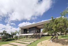 villa-moderna-brasile-prospetto-principale