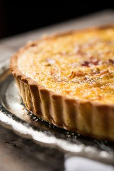 Gluten Free & Keto Quiche Lorraine with a super flakey grain free pie crust! #keto #glutenfree #healthyrecipes #lowcarb
