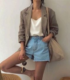 10 Zomer essentials voor in je kledingkast Spring outfit Summer outfit Look Fashion, Trendy Fashion, Womens Fashion, Fashion Trends, Fashion Vintage, Fashion Spring, Fashion Ideas, Trendy Style, Fashion Clothes
