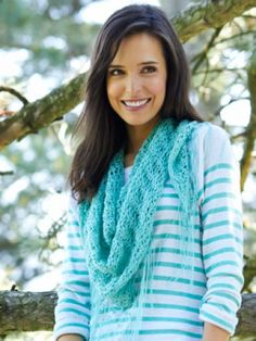 Free Pattern - Bernat Handicrafter Crochet Thread is the perfect yarn for showing off the detailed stitchwork in this stunning lightweight shawl. #crochet #shawl