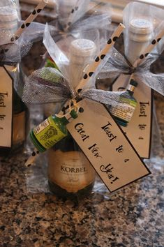 Christy: New Year's Eve: Mini Champagne Favors