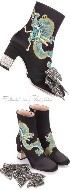 Gucci Stiletto Pumps, Stilettos, Pumps Heels, Gucci Ii, Bootie Boots, Shoe Boots, Ladies Fashion, Womens Fashion, Shoe Art