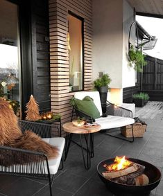 Get your outdoor space ready for summer. Discover seating ideas that will turn your backyard, terrace, or garden into your own oasis. Outdoor Balcony, Outdoor Spaces, Outdoor Living, Balcony Ideas, Terrace Ideas, Balcony Decoration, Terrace Decor, Balcony Railing, Outdoor Dog