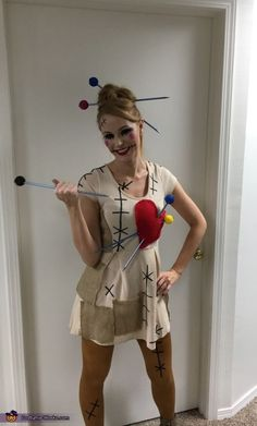 Voodoo+Doll+and+her+Voodoo+King+Costume+-+2017+Halloween+Costume+Contest+via+Cos... Cute Girl Halloween Costumes, Couples Halloween, Halloween Costume Contest, Christmas Costumes, Halloween Cosplay, Halloween Makeup, Halloween Halloween, Diy Voodoo Doll Costume, King Costume
