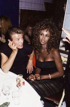 David Bowie et Iman à Paris Iman Bowie, Iman And David Bowie, David Bowie Fashion, Mr And Mrs Jones, David Jones, Couple Goals, The Thin White Duke, Ziggy Stardust, Joanne Woodward