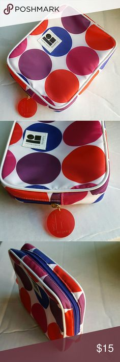 """Estee Lauder Lisa Perry makeup pouch In almost excellent condition. Only minor stains inside (last pic). 7""""W x 6""""H x 2""""D. Estee Lauder Makeup"""