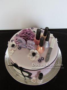 Doces Opções: Bolo de aniversário manicure