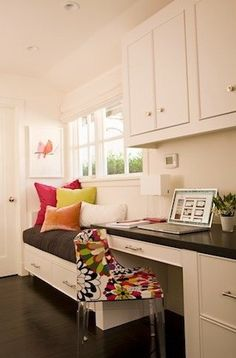 Love the built in desk and window seat!