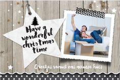 Hippe enkele foto kerst- verhuiskaart met hout, marmer ster, sterren met goud look en krijtbord look. Geheel naar eigen smaak aan te passen.