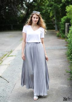 skirt160314701 - Styles-Galerie& Lookbook von SheIn de Satin Skirt, Pleated Skirt, Dress Skirt, Maxi Skirts, Stylish Dress Designs, Stylish Dresses, Dresses For Sale, Modest Fashion, Skirt Fashion