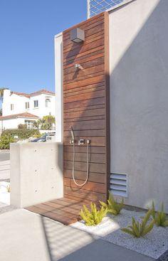 buiten douche modern