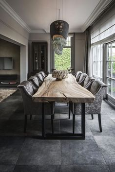 By Linda Lagrand interior design - By Linda Lagrand inte. - By Linda Lagrand interior design – By Linda Lagrand interior design - Table En Bois Diy, Classy Living Room, Kitchen Cabinet Storage, Bathroom Storage, Beautiful Dining Rooms, Dining Room Design, Interior Design Living Room, Home Decor, Lighting Products