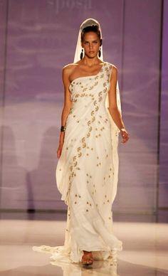 Indian wedding dress hand Made. Stylist Gemelle Donato Sposa.