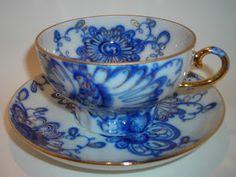 ** Šálek na čaj - modro bílý porcelán **