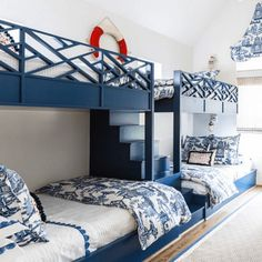 """Figure out more details on """"bunk bed ideas for small rooms"""". Look at our web site. Bunk Bed Rooms, Bunk Beds Built In, Bunk Beds With Stairs, Cool Bunk Beds, Kids Bunk Beds, Bunk Bed Designs, Coastal Living Rooms, Design Blogs, Loft Spaces"""