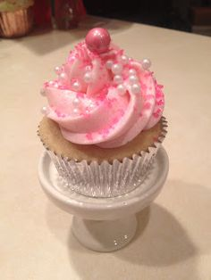 Frosted!: The Ultimate Vanilla Cupcake Recipe