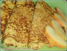 For breakfast, healthy and yummi :-) Crepe Cake, Mille Crepe, Baking And Pastry, Crepes, Zucchini, Pancakes, Healthy Recipes, Healthy Food, Pizza