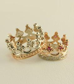 Crown wedding ring set Royal wedding rings by WeddingRingsStore