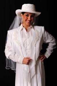 Fully lined white vest embellished with pearls and sequins in front and back. A unique piece for a Western Wedding. The Wedding Western Hat and the Western Women Blouse completes the look. Western Look, Western Hats, Western Wear For Women, Women Wear, Cowgirl Wedding, Western Wedding Dresses, White Wedding Dresses, Wedding White, Blouses For Women