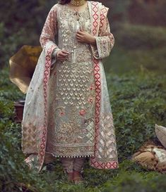 With less then a month left in season and will be around the corner too. Who doesnt want to look… Shadi Dresses, Pakistani Formal Dresses, Pakistani Dress Design, Pakistani Outfits, Indian Dresses, Indian Outfits, Pakistani Clothing, Embroidery Suits Punjabi, Eastern Dresses