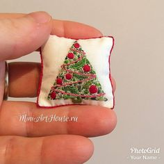 Miniature Christmas pillow ♡ ♡ By miniarthouse Miniature Christmas, Christmas Minis, Christmas Pillow, Christmas Crafts, Christmas Recipes, Embroidery Needles, Cross Stitch Embroidery, Hand Embroidery, Embroidery Designs
