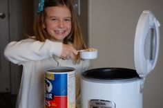 kids are capable! Let them master these 10 skills for kitchen confidence! 10 Kitchen Skills Your Kids Should Know!- Super Healthy KidsMaster Chief Master Chief may refer to: Cooking With Kids, Cooking Tips, Super Healthy Kids, Eat Healthy, Train Up A Child, Home Economics, Kids Health, Raising Kids, Kids Learning