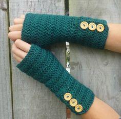 GREEN Wool crochet arm warmers, fingerless gloves, with fancy buttons Fingerless Gloves Crochet Pattern, Fingerless Mittens, Knitting Patterns Free, Free Knitting, Crochet Patterns, Knitting Tutorials, Hat Patterns, Loom Knitting, Stitch Patterns