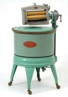 """My mother sang hymns to the beat of the """"wringer"""" washer. The little Brown Church in the Wildwood"""" 1925 Kenmore Washing Machine Vintage Laundry, Vintage Kitchen, Old Washing Machine, Washing Machines, Hand Washing, Vintage Antiques, Vintage Items, Objets Antiques, Retro"""