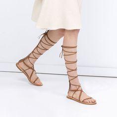 Chaussures pour femme   Soldes en ligne. Sandales Grecques · Chaussures  Femme · Cuir ... c7e37cc3ee94