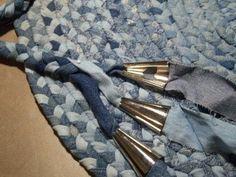 tuto en francais pour realiser un tapis en jeans recyclés