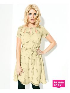 Holly Willoughby Printed Rabbit Dress So pretty! Style Wish, My Style, Shopping Catalogues, Hourglass Fashion, Holly Willoughby, Dress Skirt, Kids Outfits, Fashion Beauty, Kids Fashion